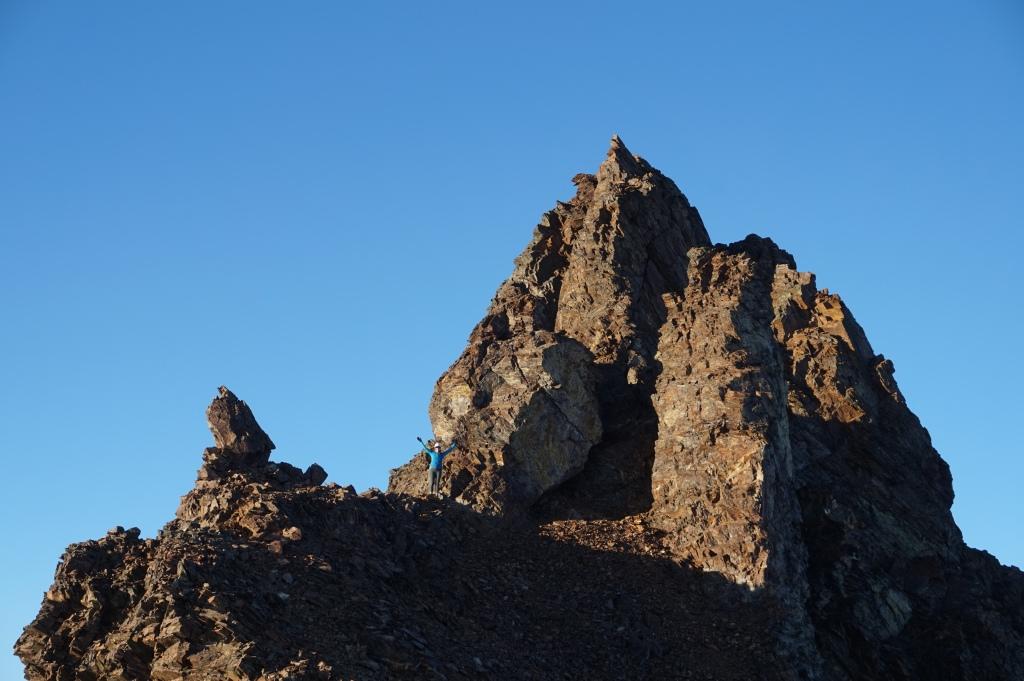 Lindsay descending from Helm Peak, Garibaldi Park. October, 2018